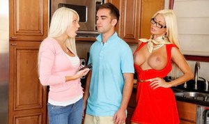 Logan Pierce & Rikki Six make some cum swapping action after a threesome