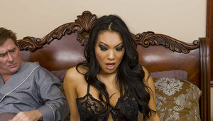 Asa Akira gets her bottom hole drilled by a big cock and squirts