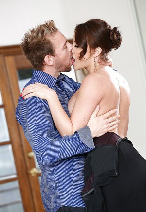 Sultry MILF with sexy body Chanel Preston making out with a guy