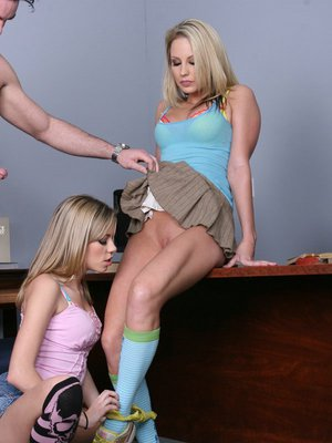 Horny teenage lassies have a passionate groupsex with a well-hung guy