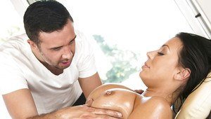Hot pornstar Rachel Starr gets drilled hardcore on the massage table