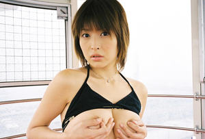 Alluring asian babe Nana Natsume revealing her nice jugs