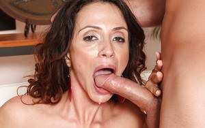 Sultry latina MILF Ariella Ferrera gets screwed and squirts hard