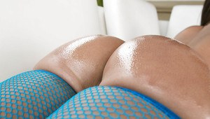Hot babe Jada Stevens takes off her bikini and gets her bubble butt oiled up