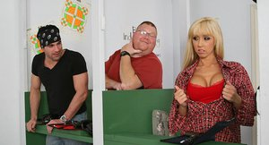 Slutty blonde Jessica Lynn gets her shaved cunt pounded hardcore