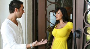 Curvaceous MILF Lisa Ann gives a titjob and gets pumped hard