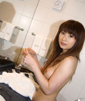 Svelte asian cutie with tiny titties and neat ass taking shower
