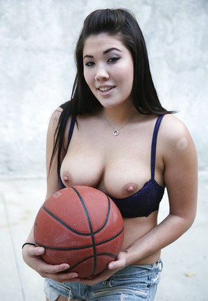 Sporty asian babe London Keyes revealing her tempting tits outdoor