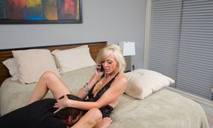 Sultry MILF Demi Dantric gets shagged while talking on the phone