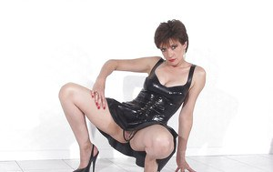 Leggy mature lassie with sexy body posing in various outfits