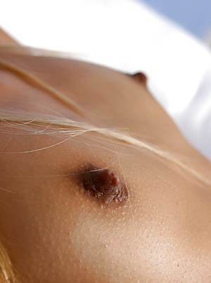 Ebony hottie Tyra Banxxx stripping and exposing her juicy pink hole