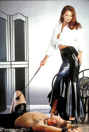 Ravishing femdom with gorgeous body has some fun with her male pet