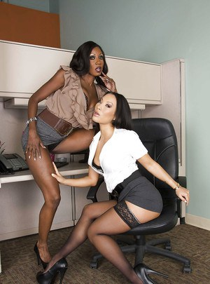 Office vixens Asa Akira & Diamond Jackson stripping and kissing each other