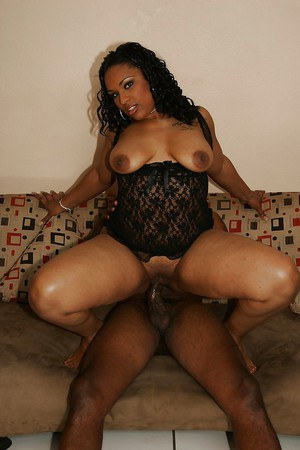 Curvaceous ebony MILF gives a fervent blowjob and gets shafted hardcore