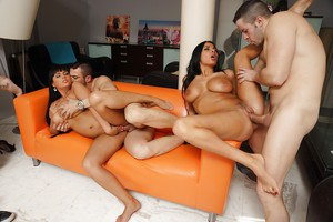 Salacious vixens with hot bodies enjoy a fervent groupsex