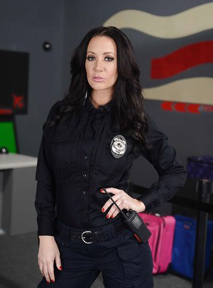 Hot police babe Jayden Jaymes gets rid of her uniform and lingerie