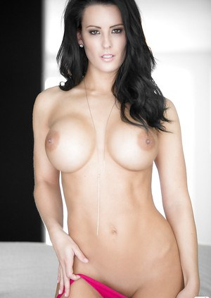 Ravishing centerfold babe Jessie Shannon uncovering her flawless curves