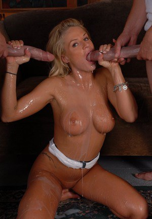 Lecherous blonde MILF Brooke Belle pleasing two giant meaty poles