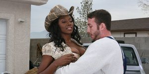 Juggy ebony slut Nyomi Banxxx blows and fucks a big white cock outdoor