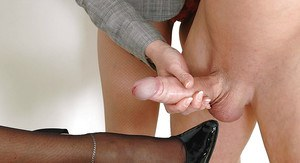 Mature fetish lady jerking a cumshot out right on her friend's foot