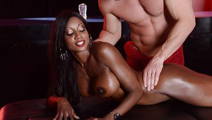 Ebony anal slut Diamond Jackson sucks and fucks a big white boner