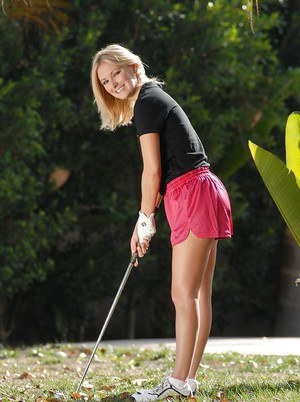 Horny golf player Skye Daniels stripping and masturbating her cunt outdoor