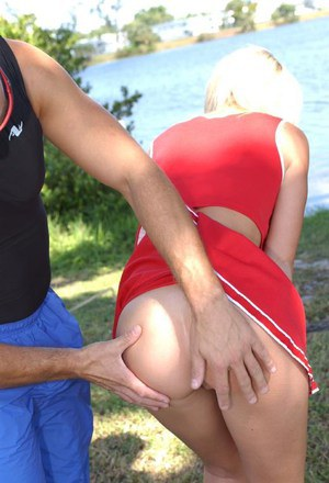 Sassy blonde cheerleader Tiffani Kelli gets talked into blowjob