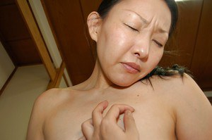 Asian slut Yukie Ishikawa has some cock sucking and pussy creampie fun