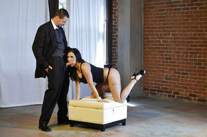 Veronica Rayne gives a passionate blowjob and gets banged tough