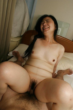 Fatty asian slut Yasuko Watanabe gets her hairy twat boned-up and creampied