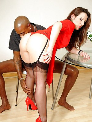 Fetish lady in stockings has some interracial pussy licking and blowjob fun
