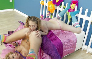 Kagney Lynn Karter & Brooklyn Lee have some rimming and anal toying fun