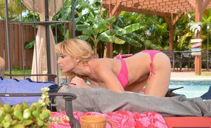 Juggy mature slut Alyssa Lynn gives head and gets screwed at the poolside