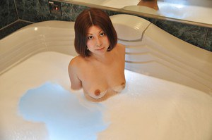 Svelte asian MILF with small tits Norie Takahata taking bath