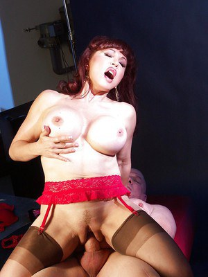Mature latina slut goes down on a well-hung lad and gets shagged hardcore