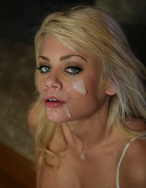 Lusty blonde hottie enjoys FMM groupsex and gets her face glazed with cum