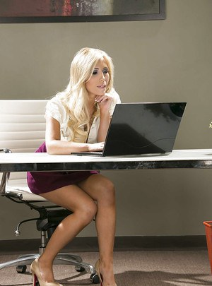 Hot secretary Tasha Reign slowly uncovering her jaw-dropping sexy curves
