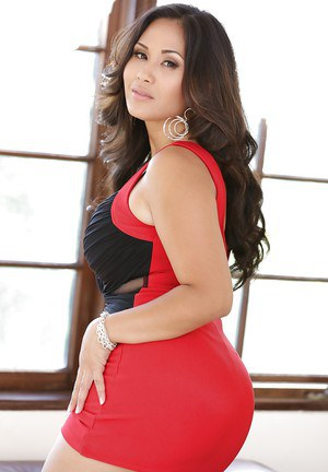 Curvy asian babe London Keyes getting rid of her tiny dress and lingerie