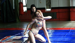 Naughty chicks have an oily catfight for lesbian domination