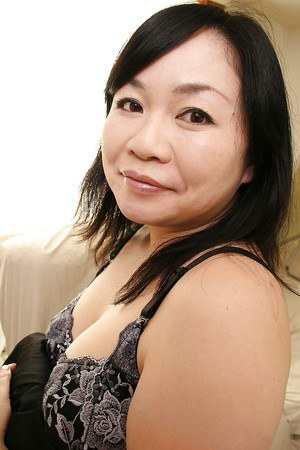 Shy curvy asian MILF Rumiko Shiga getting rid of her clothes