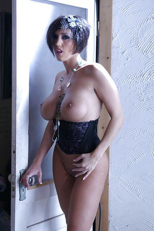 Luscious MILF in sexy girdle Dylan Rider demonstrating her gorgeous curves