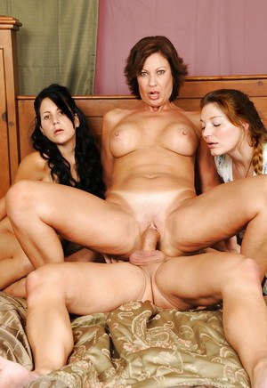 Juggy mature hussy sharing a stiff duck with her younger girlfriends
