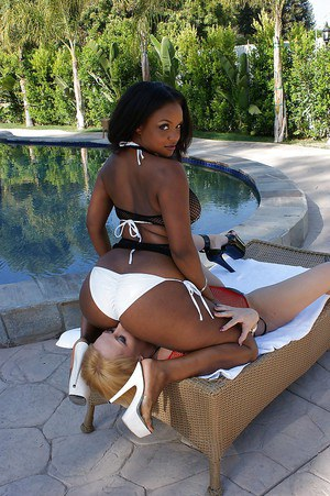 Ebony MILF has some pussy licking fun with her white lesbian friend outdoor
