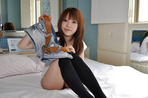 Asian girl in jeans shorts Ai Oosato undressing and vibing her slit