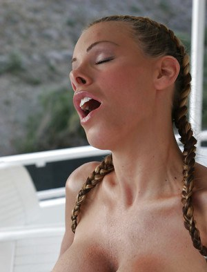 Busty hottie Nicole Sheridan undressing and fingering her pussy outdoor