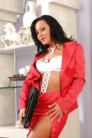 Steamy MILF Sandra Romain getting nude and exposing her luscious curves