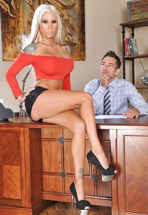 Tattooed foot fetish vixen gets her shaved cunt shafted in the office