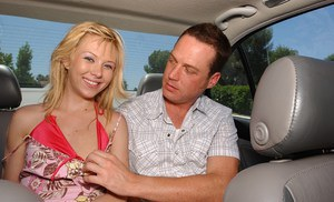 Free-and-easy picked up blonde gives head at the back seat