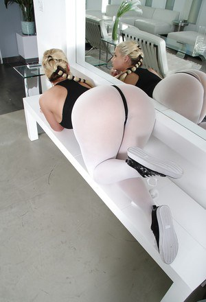 Jaw-dropping sexy blonde in sport suit undressing and exposing her asshole