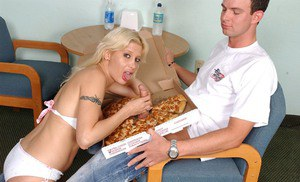 Slutty well-stacked blonde has some hardcore fun with a pizza-lad